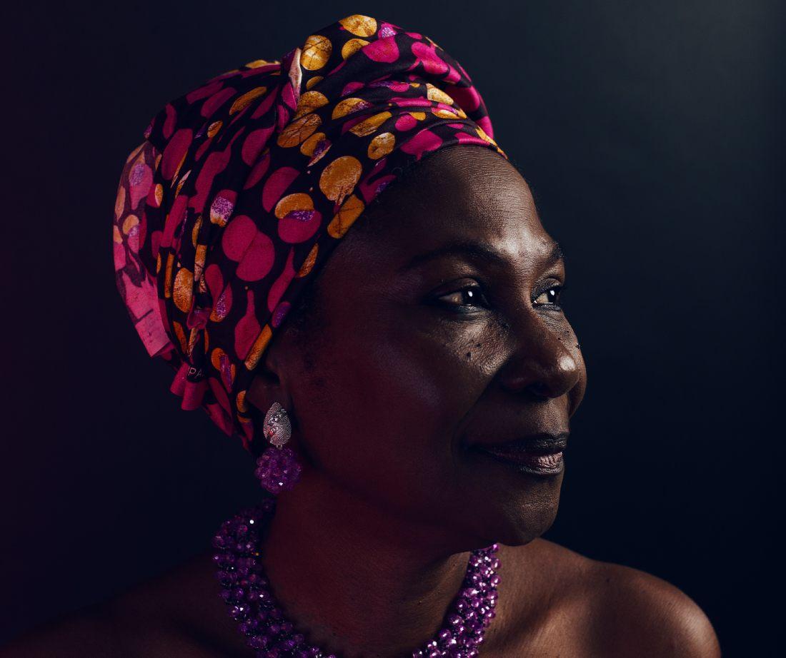 Podcast Hora do Gole - Photo by Ayo Ogunseinde on Unsplash